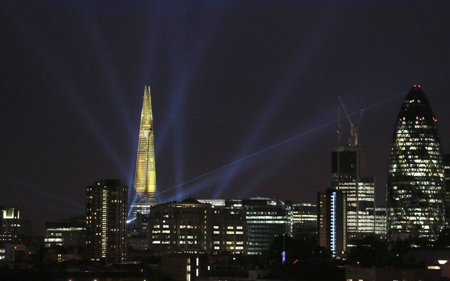 shard lightshow 10 Официальное открытие самого высокого небоскрёба Европы The Shard