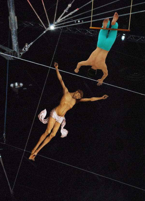 05Jesus As A Trapeze Artist Фотопроект «Иисус повсюду»