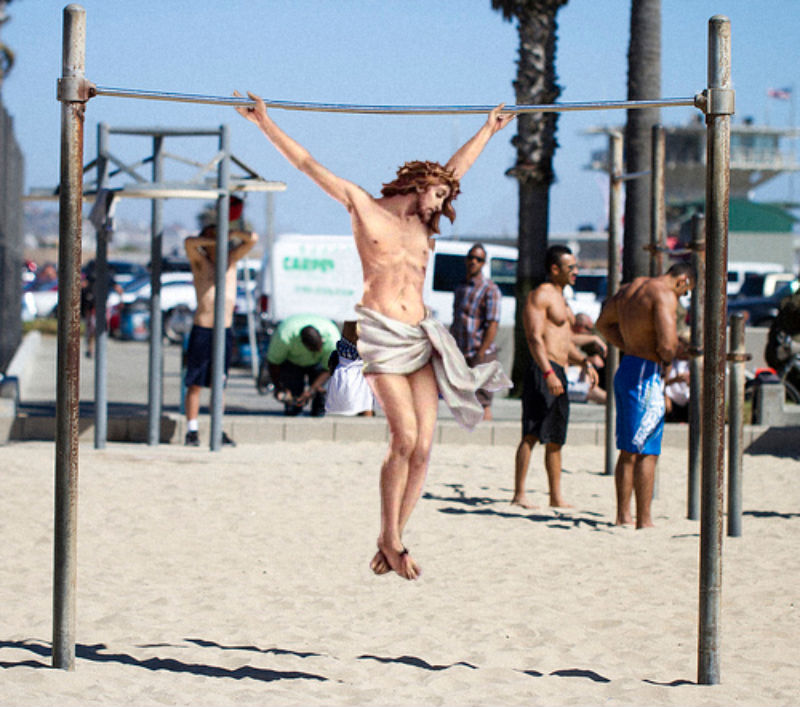 08Jesus On Muscle Beach Фотопроект «Иисус повсюду»
