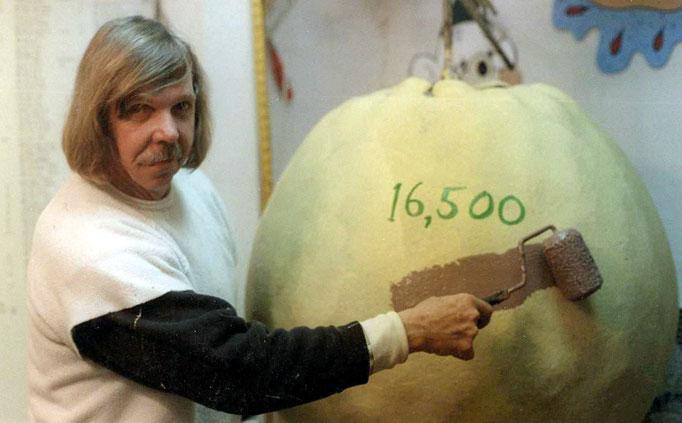 1149 Самый большой бейсбольный мяч в мире создан...благодаря краске!
