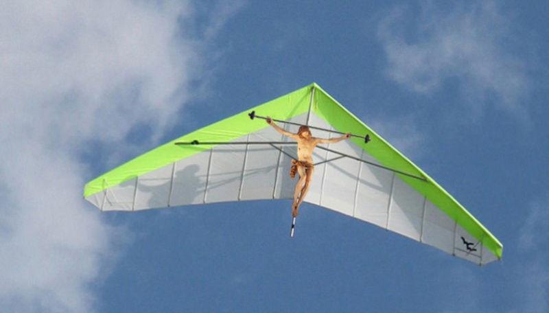 17Jesus Hang Gliding Фотопроект «Иисус повсюду»