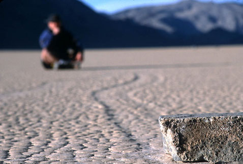 2s9 Движущиеся камни – Долина Смерти