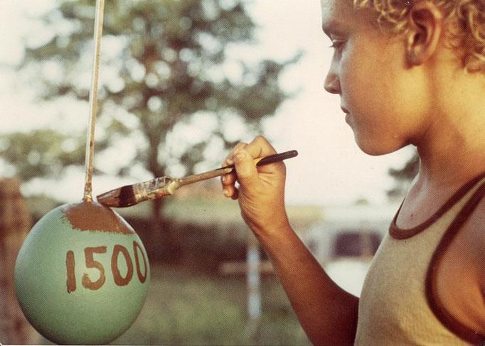 370 Самый большой бейсбольный мяч в мире создан...благодаря краске!
