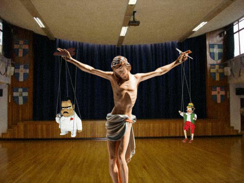 37Jesus As A Puppeteer Фотопроект «Иисус повсюду»