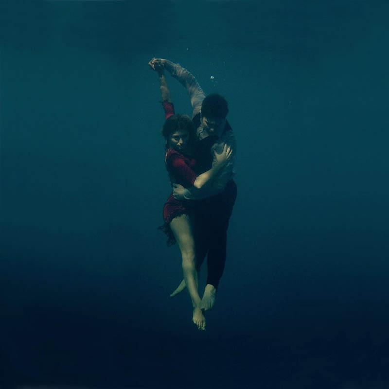 557 Танго под водой