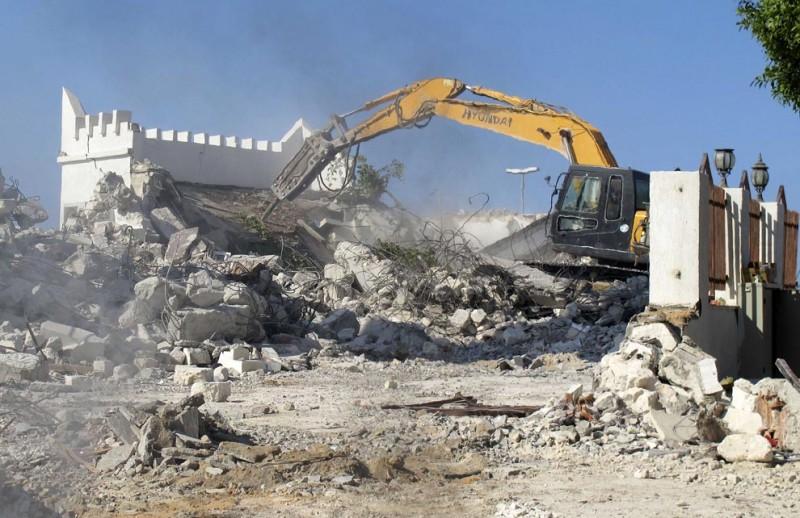 Ливийские вандалы разрушили мечеть бульдозерами