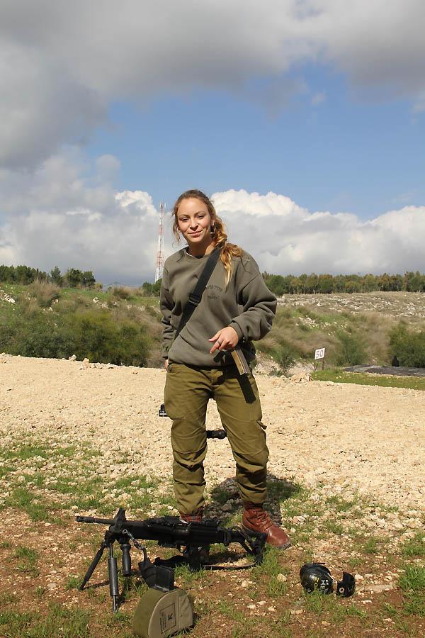 715 Прекрасная половина израильской армии