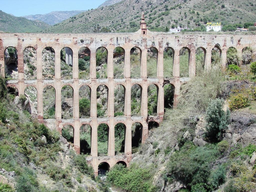 965 5 самых захватывающих акведуков