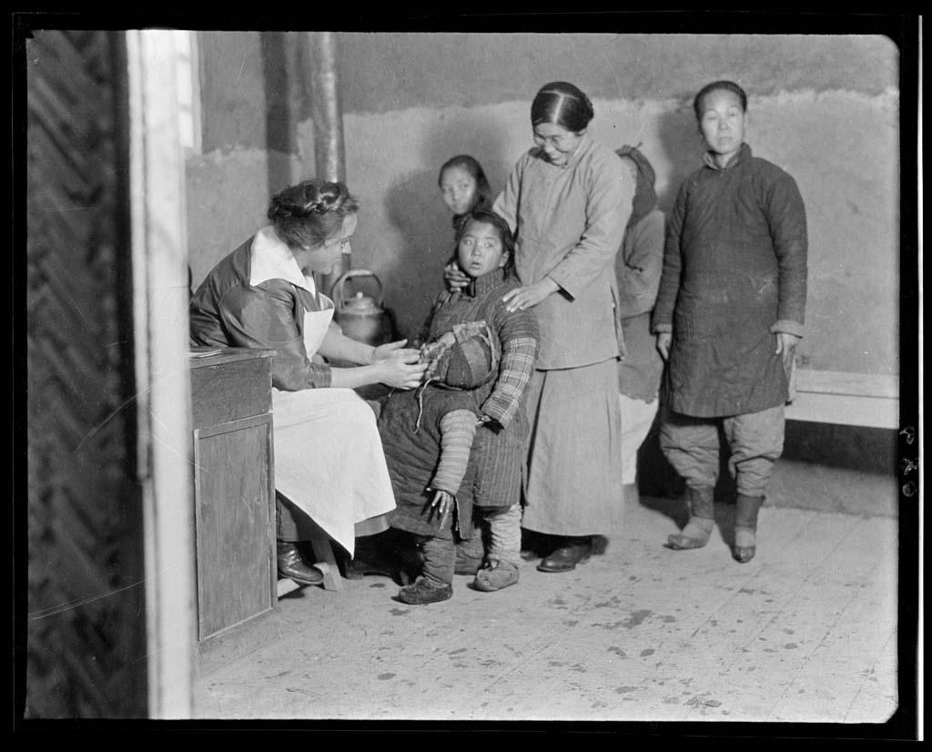 China 35 Черно белый Китай начала прошлого века