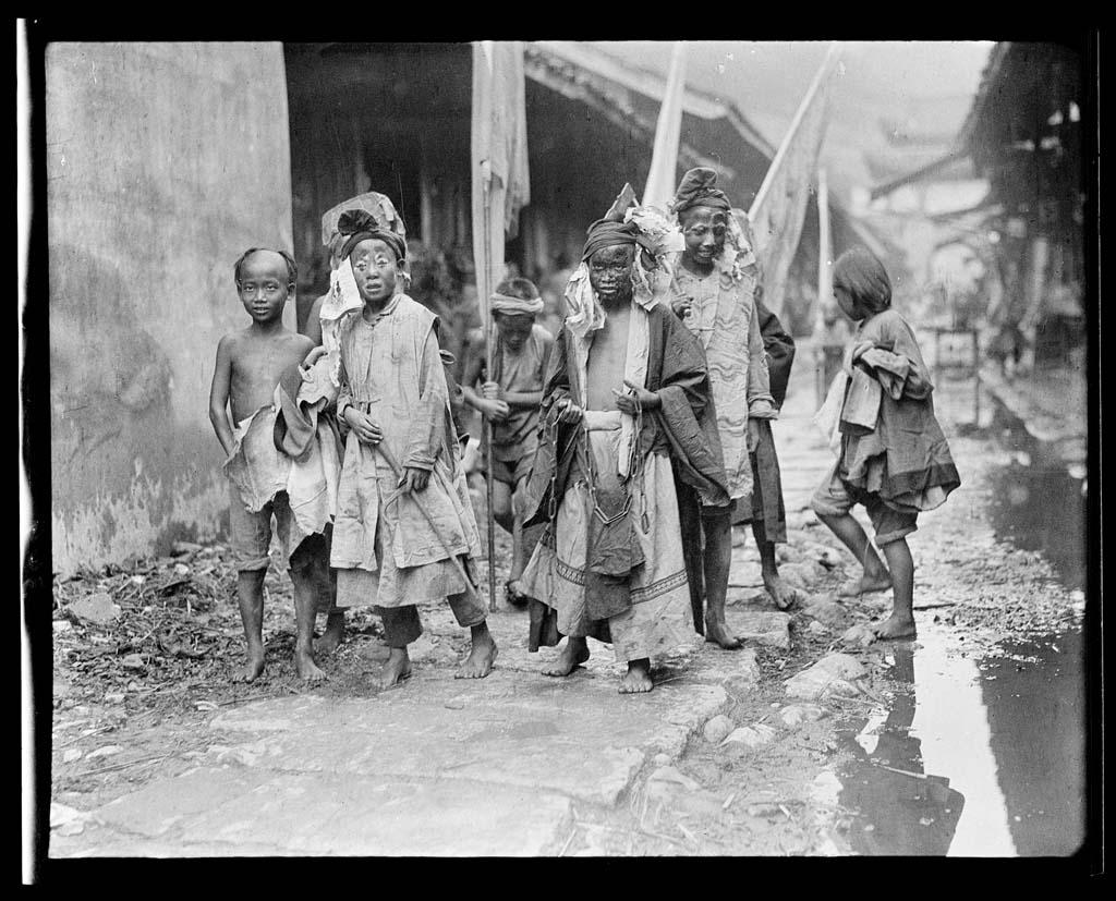 China 56 Черно белый Китай начала прошлого века
