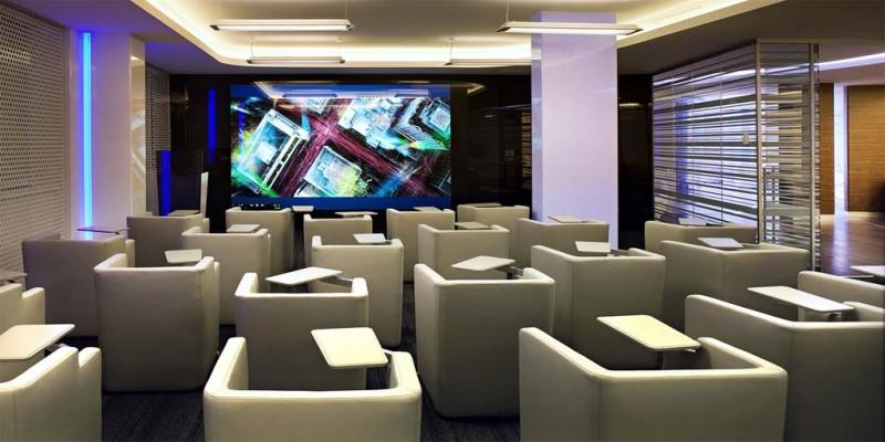 Редизайн офиса IBM в стиле Гостьи из будущего