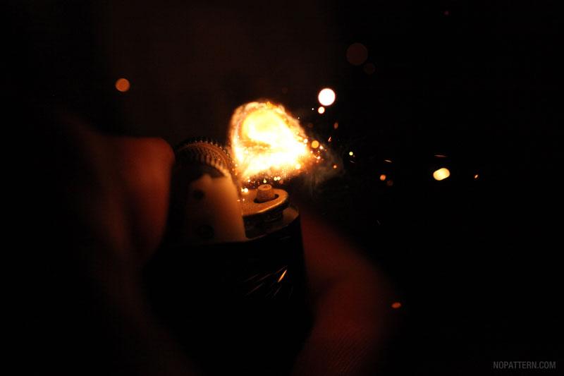 Lighter 5 Зажигалка вблизи