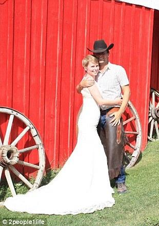 weddings 11 Счастливая пара отпраздновала 22 свадьбы