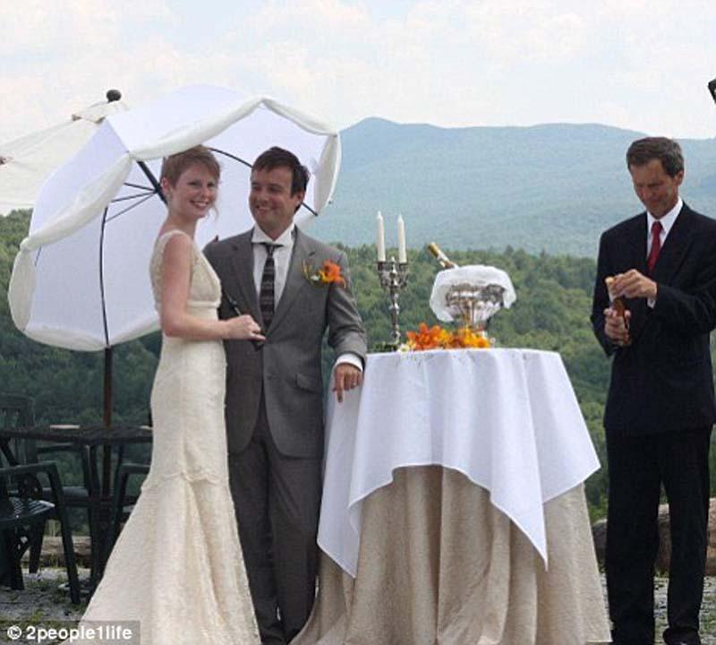 weddings 15 Счастливая пара отпраздновала 22 свадьбы
