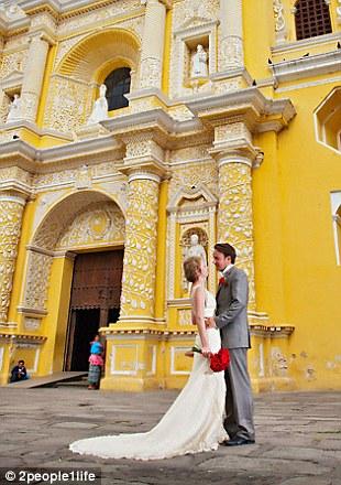 weddings 23 Счастливая пара отпраздновала 22 свадьбы