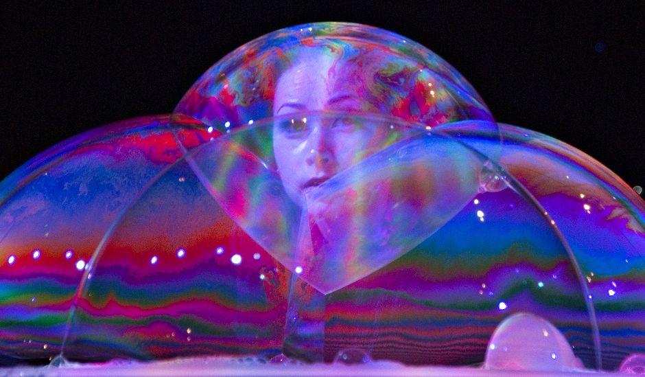 1141 181 человек в мыльном пузыре   новый мировой рекорд