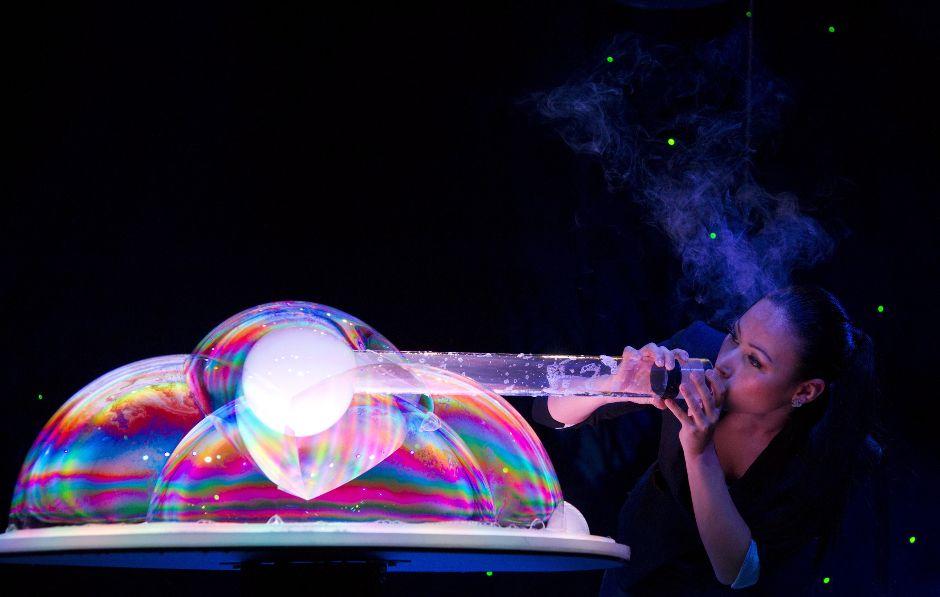 2100 181 человек в мыльном пузыре   новый мировой рекорд