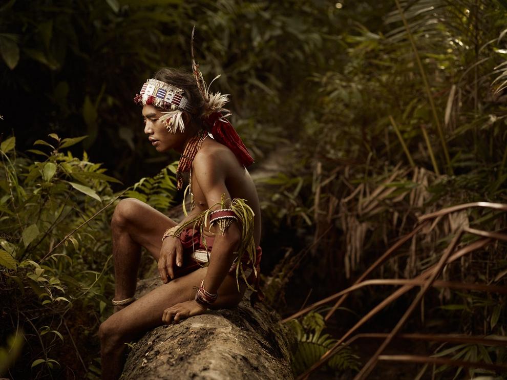 226 Портреты коренных жителей архипелага Ментаваи