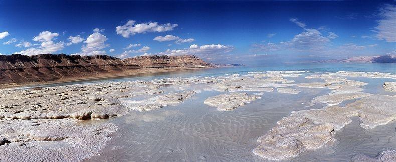 288 Странные соляные образования в Мертвом море