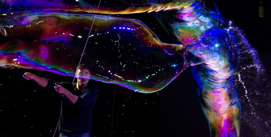 437 181 человек в мыльном пузыре   новый мировой рекорд