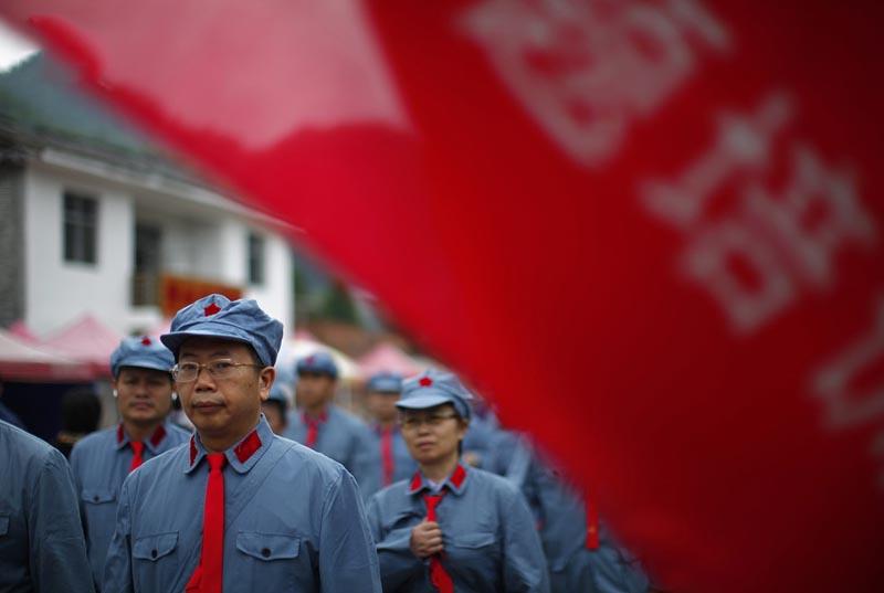 BIGPIC56 Как стать хорошим коммунистом   технология из Китая