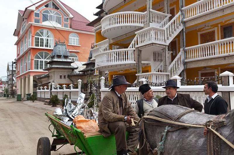 Byzesku 13 Бузеску – столица цыган миллионеров