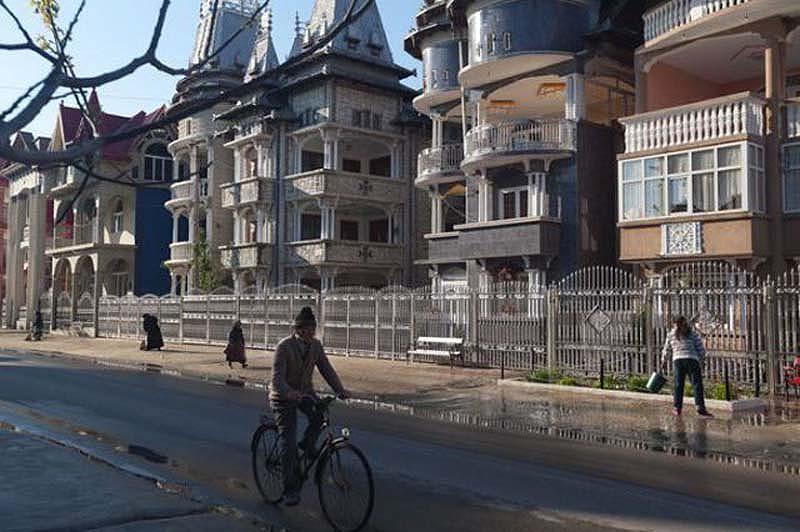 Byzesku 15 Бузеску – столица цыган миллионеров