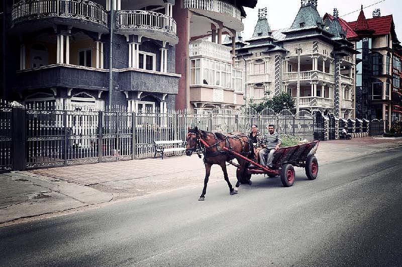 Byzesku 17 Бузеску – столица цыган миллионеров