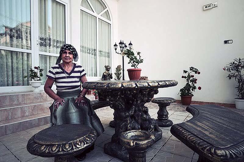 Byzesku 26 Бузеску – столица цыган миллионеров