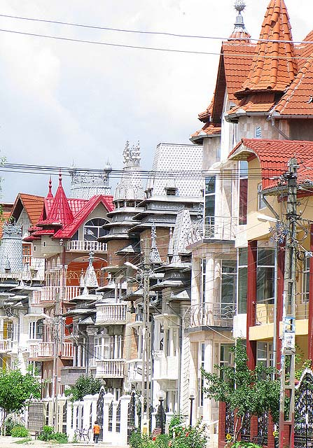 Byzesku 27 Бузеску – столица цыган миллионеров