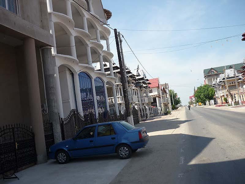 Byzesku 3 Бузеску – столица цыган миллионеров