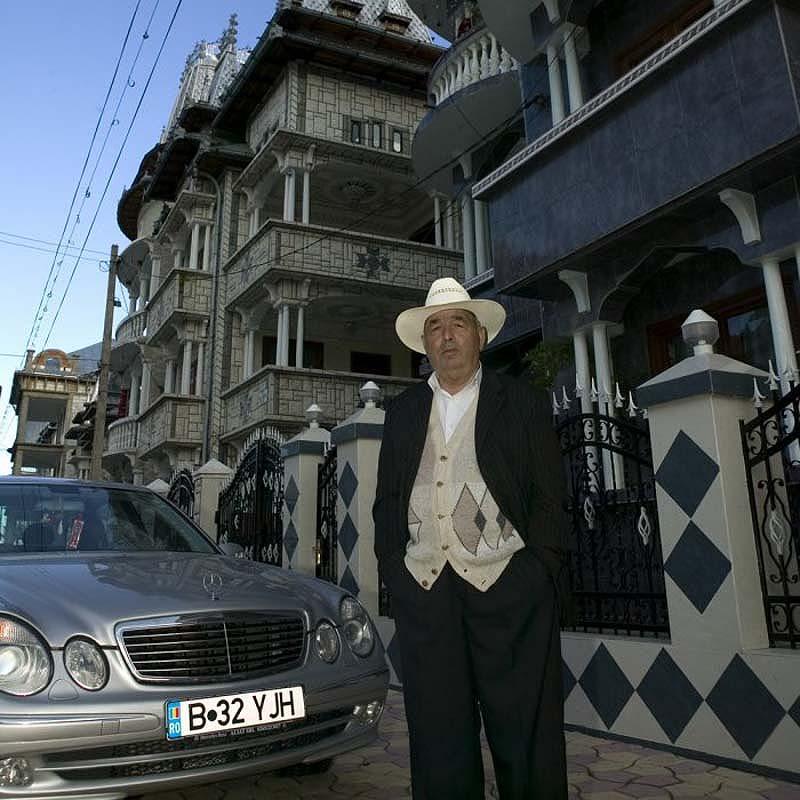 Byzesku 30 Бузеску – столица цыган миллионеров