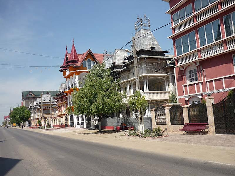Byzesku 4 Бузеску – столица цыган миллионеров
