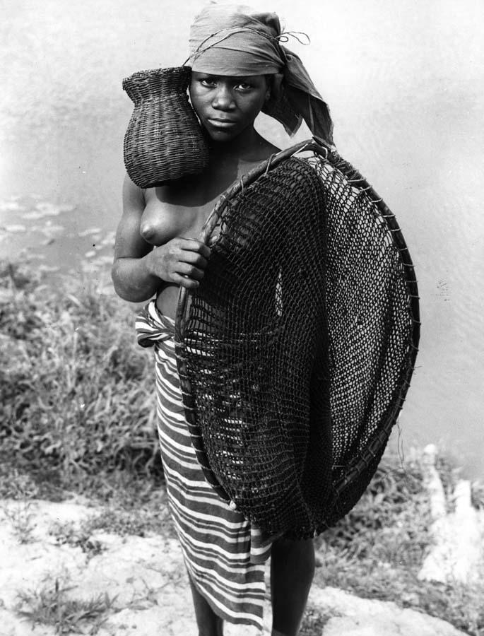 http://bigpicture.ru/wp-content/uploads/2012/09/Fisherwomen-5.jpg