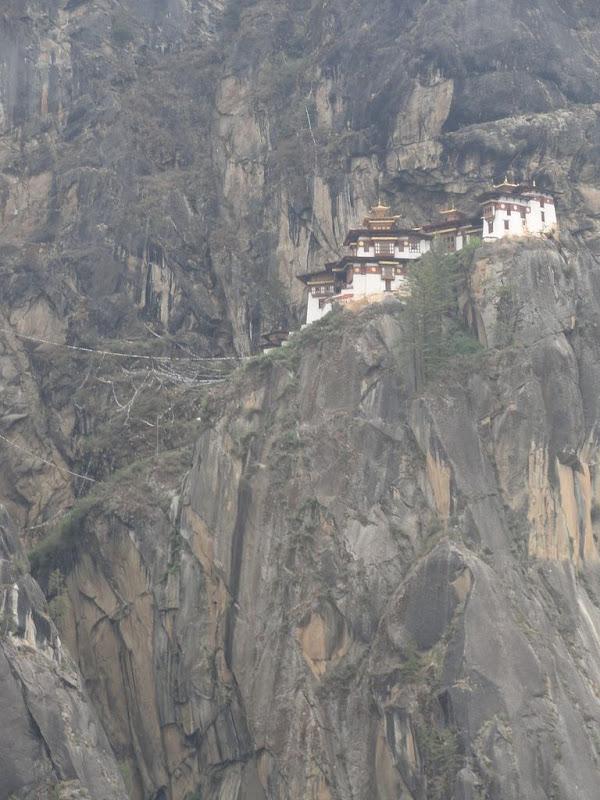 Inaccessible Monasteries 10 Самые труднодоступные монастыри в мире