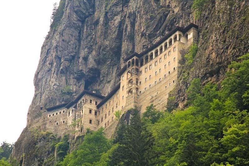 Inaccessible Monasteries 11 Самые труднодоступные монастыри в мире