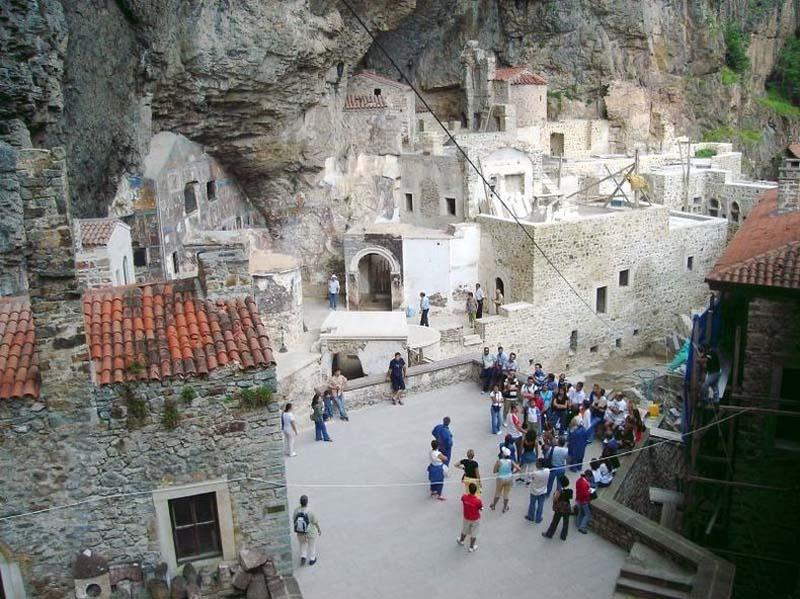 Inaccessible Monasteries 13 Самые труднодоступные монастыри в мире