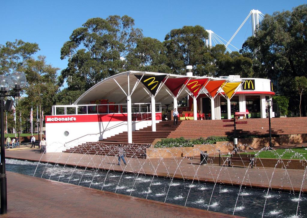 استغرق ماكدونالدز ماكدونالدز في العالم 34