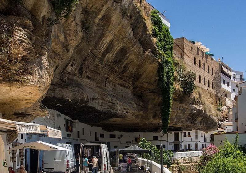 Setenil de las Bodegas 1 Удивительный городок в скале: Сетениль де лас Бодегас