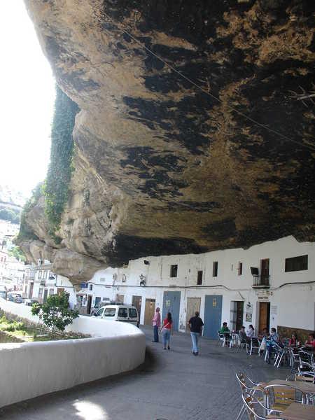 Setenil de las Bodegas 5 Удивительный городок в скале: Сетениль де лас Бодегас