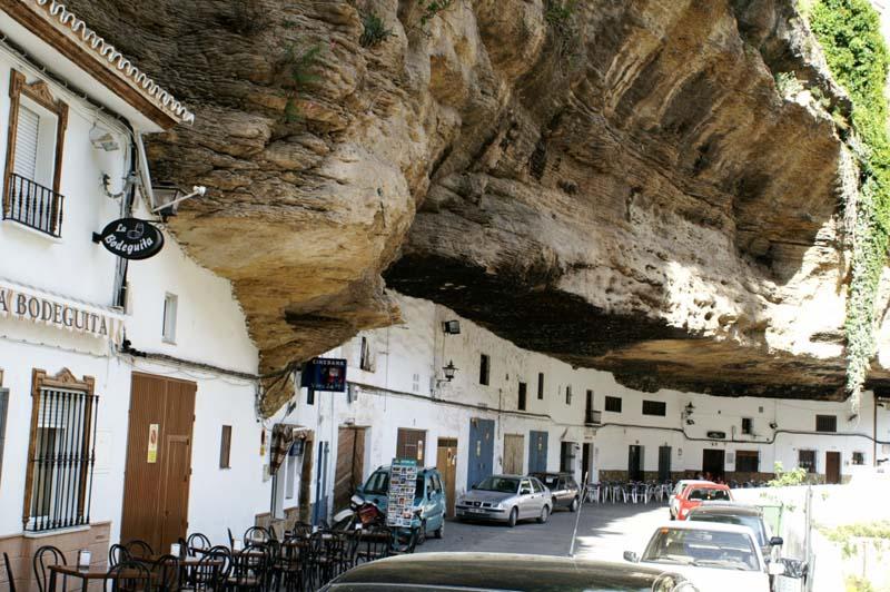 Setenil de las Bodegas 7 Удивительный городок в скале: Сетениль де лас Бодегас