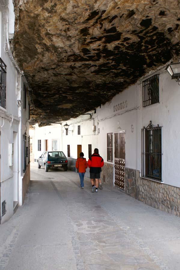 Setenil de las Bodegas 8 Удивительный городок в скале: Сетениль де лас Бодегас