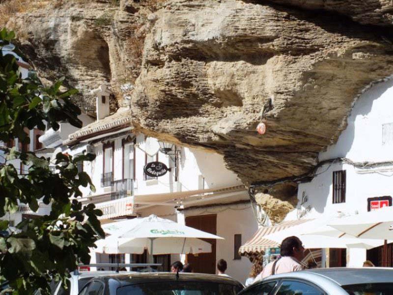Setenil de las Bodegas 9 Удивительный городок в скале: Сетениль де лас Бодегас
