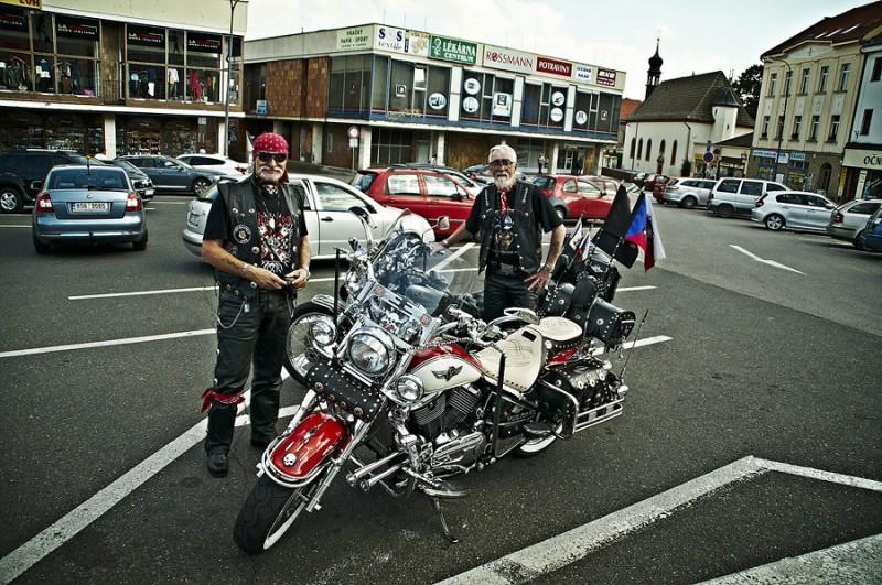 bikers 4 800x531 Байкеры пенсионеры