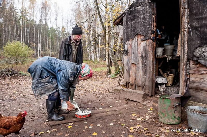 0610 800x532 Белорусские отшельники уже20 летживут безсвета, газа иводопровода, нонасвоей земле