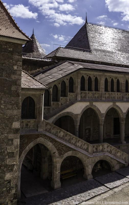 074 505x800 «Замок Ворона» и «замок Дракулы»