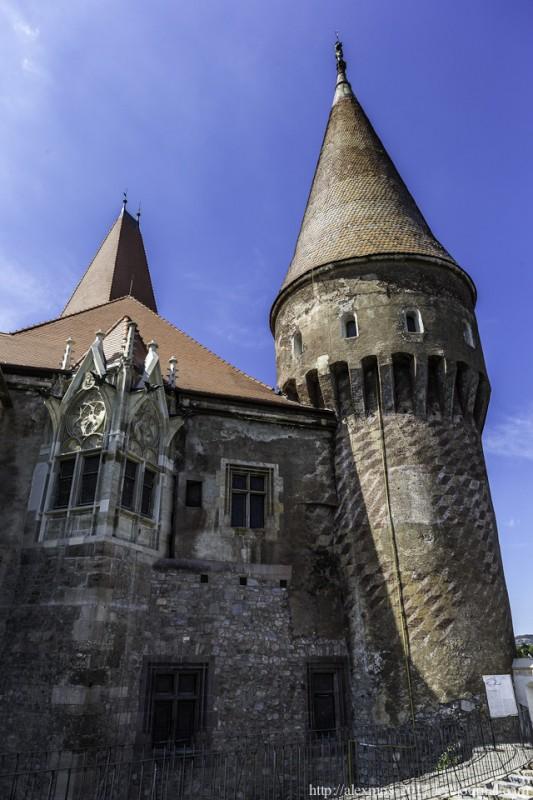114 533x800 «Замок Ворона» и «замок Дракулы»
