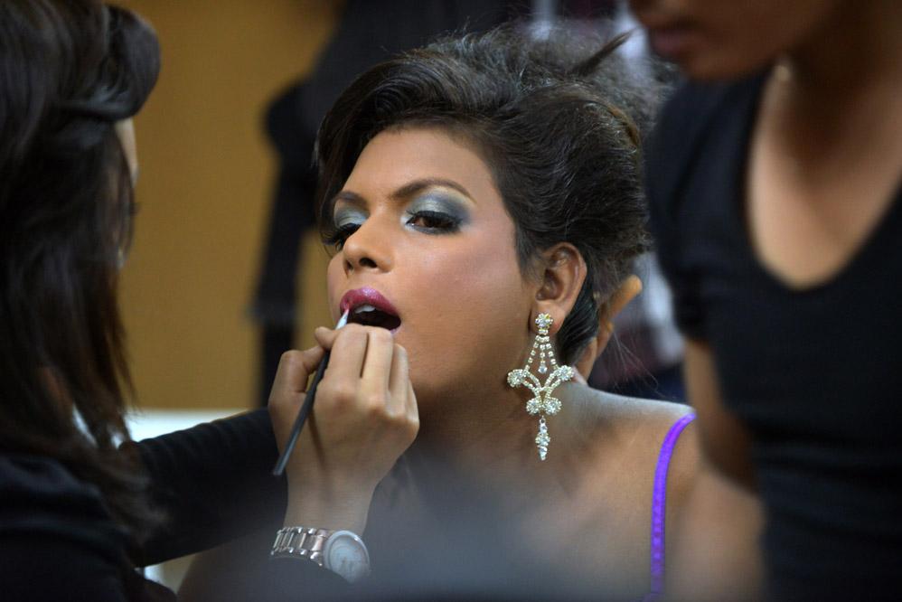 Непальцы выбрали самого красивого трансексуала 2012года