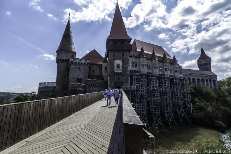 192 800x533 «Замок Ворона» и «замок Дракулы»