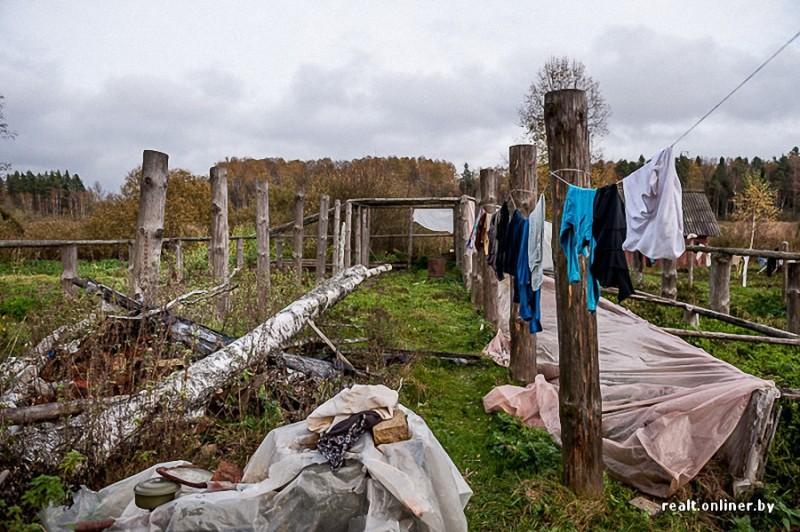 244 800x532 Белорусские отшельники уже20 летживут безсвета, газа иводопровода, нонасвоей земле